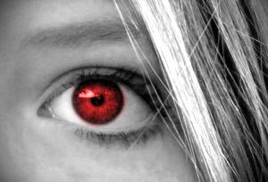 Co powoduje efekt czerwonych oczu oraz jak go wyeliminować